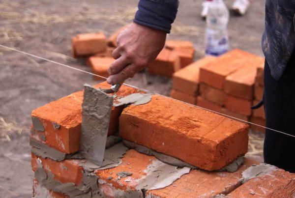Pilih Batu Bata atau Batako untuk Dinding Rumah yang Baik?