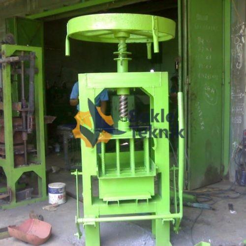 Mesin Cetak Batako Press